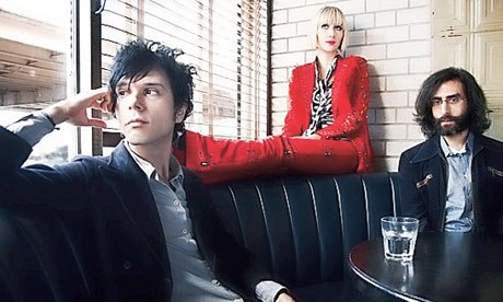 Yeah Yeah Yeahs - Run away