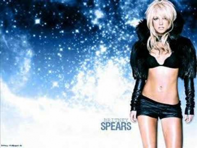 Britney Spears Feat. T.I. - Gimme More