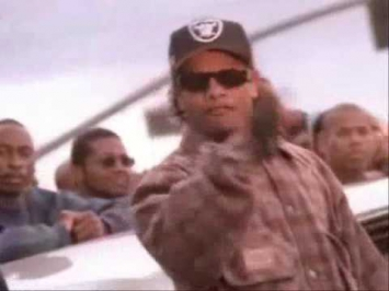 Eazy-E feat. 2Pac - Real Muthaphuckkin G's/Hit 'Em Up (Mix) (Music Video)