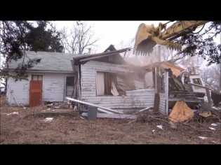 Demo of Old House with CAT 329E Excavator