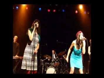 Nouvelle Vague - Ever Fallen In Love (Montreal - 26/01/10)