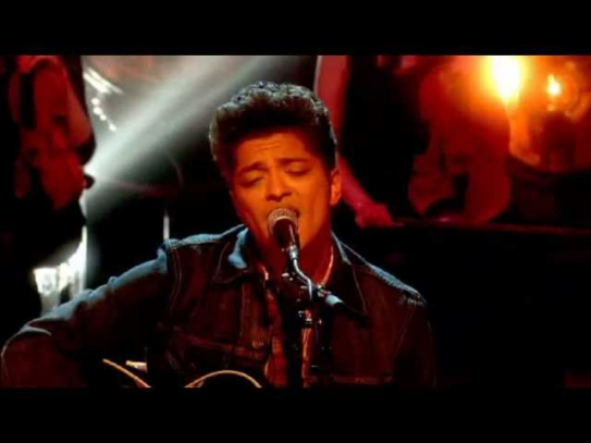 BRUNO MARS - GRENADE - Acoustic - Graham Norton show