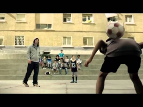 Lionel Messi vs Kids, Amazing New Ad!!!