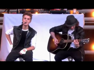 Justin Bieber - Never Let you Go Acoustic. Live in Oslo (25-5-2012)